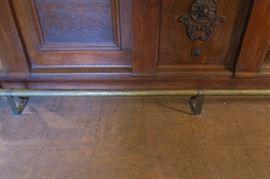 Brass foot rail