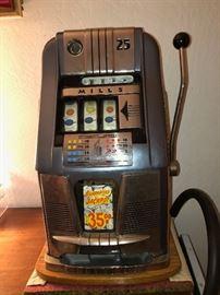 Vintage Mill's .25 Slot Machine