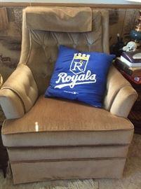 Swivel rocking chair, Royals