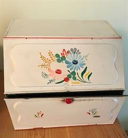 Fabulous mid-century metalware bread box. See photo of matching recipe box and wastebasket.