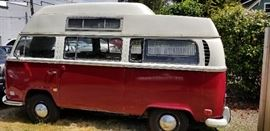 1971 Volkswagen, original engine rebuilt, 1600 cc Newport Engine, new tires, runs great