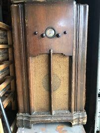 Tube radio 1930s