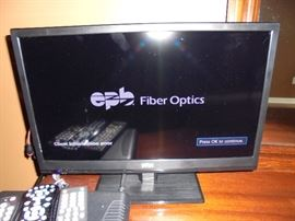 "Seiki fiber optic 18"" screen"