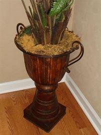 Decorative urn w/greenery