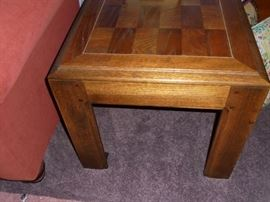 Matching wood end table 1 of 2