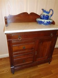 vintage, walnut wash stand w/marble top