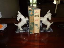 love these scotty marble book ends