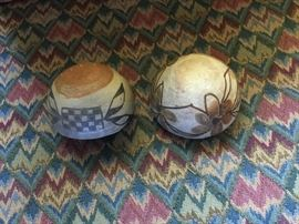 Bottom of small Navajo bowls: Height 2-1/2in, (left bowl), Height 2in (right bowl)