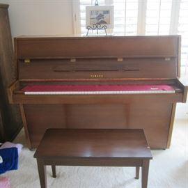 Yamaha piano & bench