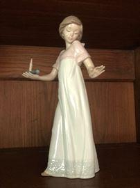 Nao Figurine