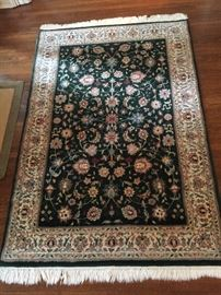 18. Indian Oriental Green and Ivory Wool Rug (4' x 6')