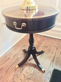 28. Tradition House 1 Drawer Pedestal Table w/ Brass Accents (18'' x 18'' x 24'')