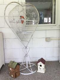 Metal birdcage – Vintage –birdhouses           http://www.ctonlineauctions.com/detail.asp?id=724342