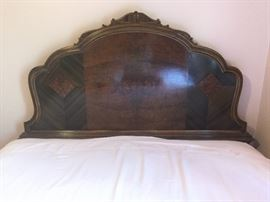 Vintage water fall full size bed frame          http://www.ctonlineauctions.com/detail.asp?id=724348
