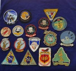 Vintage Military Patches                    https://ctbids.com/#!/description/share/25409