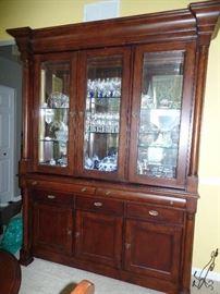 Bassett Furniture - Beautiful lighted dining room cabinet  w/silverware drawer