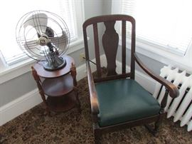 yup thats another fan and sweet chair