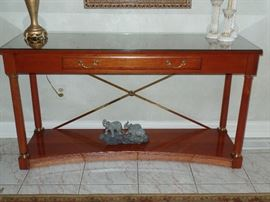Ethan  Allen hallway table  --Perfect Condition