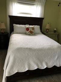 QUEEN PLATFORM BED W/ 2 DRAWERS ON END OF BED, KLUFT QUEEN MATTRESS SET SOLD SEPARATELY