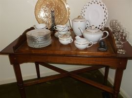 Stickley serving cart w/lift off tray