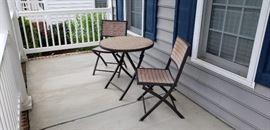 Quint patio set. Like new.