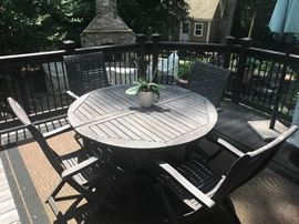 Painted outdoor table & 6 chairs