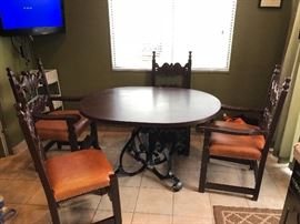 Dining Table with 4 Leather Chairs