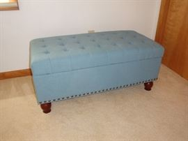 Upholstered Storage Ottoman/Bench