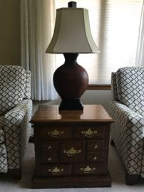 Solid Wood Side Table & (1 of 2) Matching Lamps