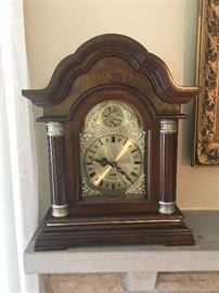 Quartz Chimming Mantle Clock