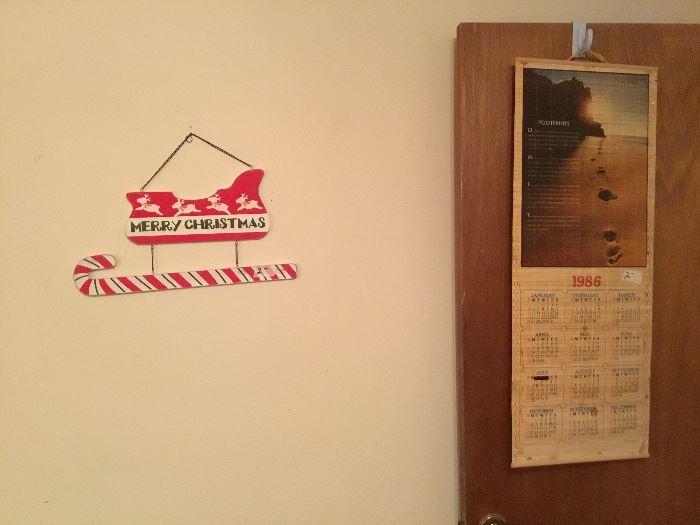 Merry Christmas plaque & vintage calendar
