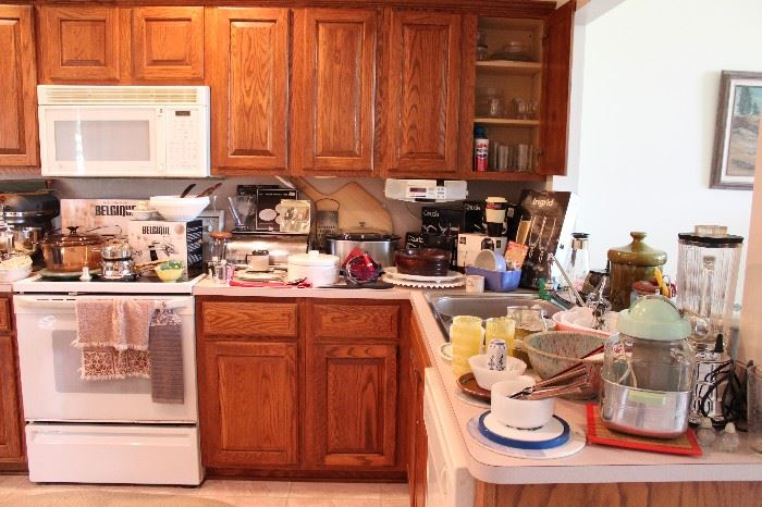 Sterling Heights Estate Sale: Mid-Century, Jewelry, Vintage
