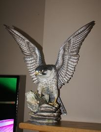 "Boehm Porcelain Sculpture #100-12 (England) ""PEREGRINE FALCON"" Has Wing Tip Damage"