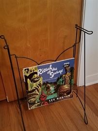 Collapsible record Player stand (missing top shelf - easy to fabricate) with slot to display album in rotation!
