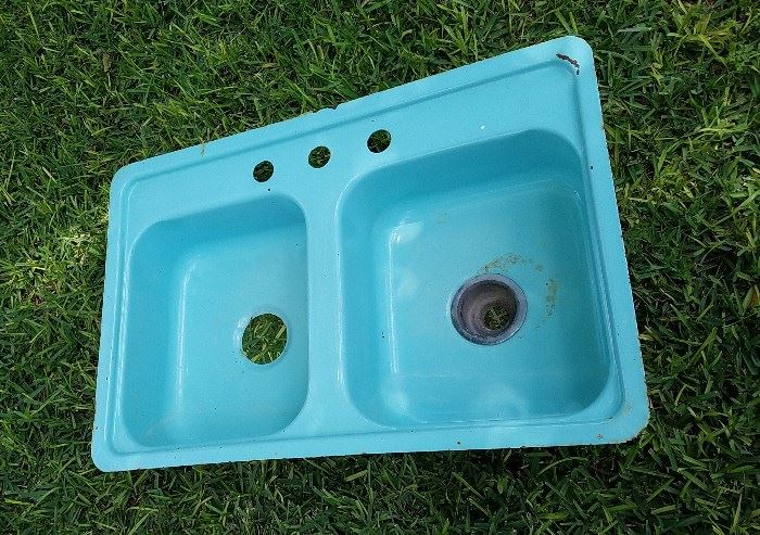 Turquoise double bowl kitchen sink...COOL!