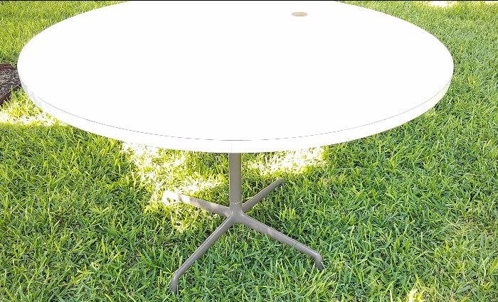 Eames aluminum group patio table