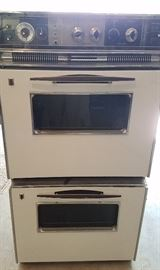Very nice condition vintage double wall oven.