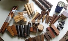 Large assortment of vintage furniture feet and legs