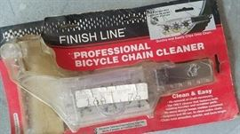 Bicycle chain cleaner (in box)