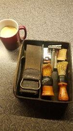 Vintage straight razor and safety blades shaving kit