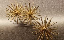 Sea-urchin/Starburst decorations