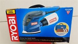 Ryobi mouse sander with carrying case