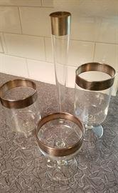 Dorothy Thorpe assorted glass set