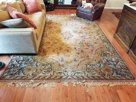 Antique floor rug. 8 x 11.