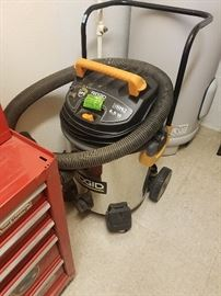 This is a large shop vac, wet & day