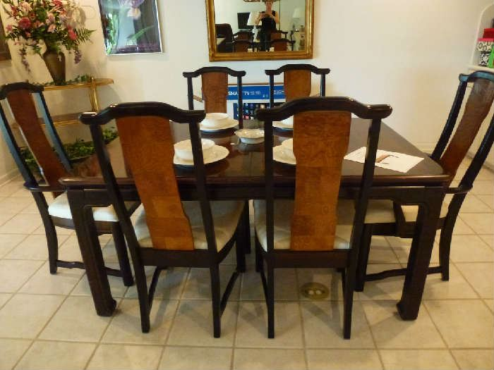 Broyhill Asianline dining table with 2 leaves and 6 chairs