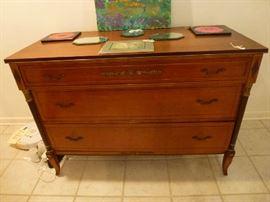 RWAY mahogony chest of drawers  brass hardware