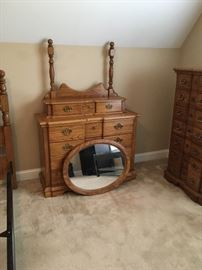 Rock City Manufactured Company Queen/Full Oak Bedroom Group