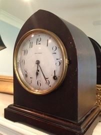 Very old Seth Thomas mantle clock - chimes on the hour