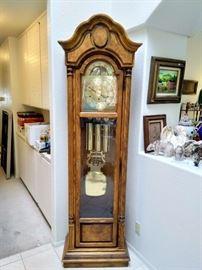 Howard Miller Grandfather Clock 1986  $400